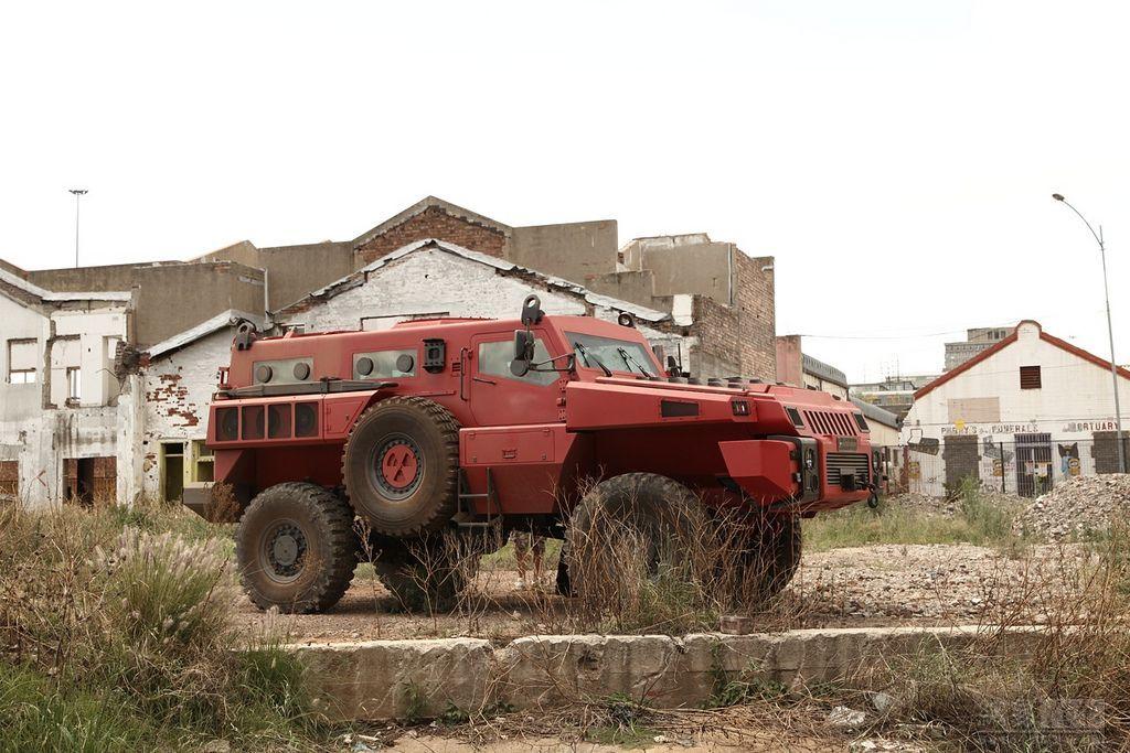 车厢内可以承载10名全副武装的战士,直接投身于战场环境.