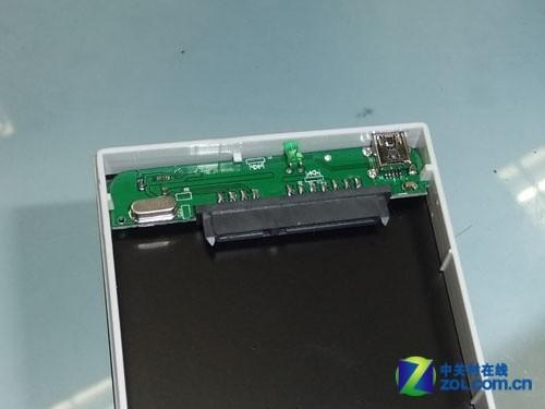 假三星移动硬盘的pcb板电路a面部分