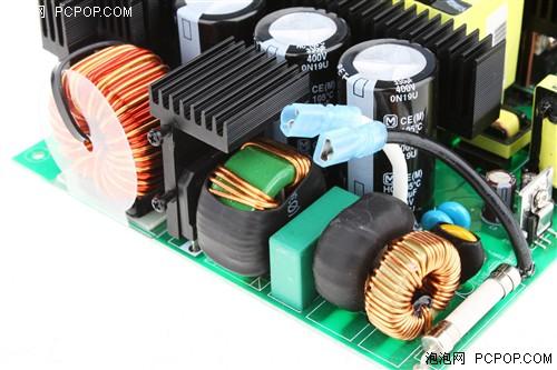 科技 正文    这颗电源的设计比较复杂,采用主动式pfc ucc28950控制的