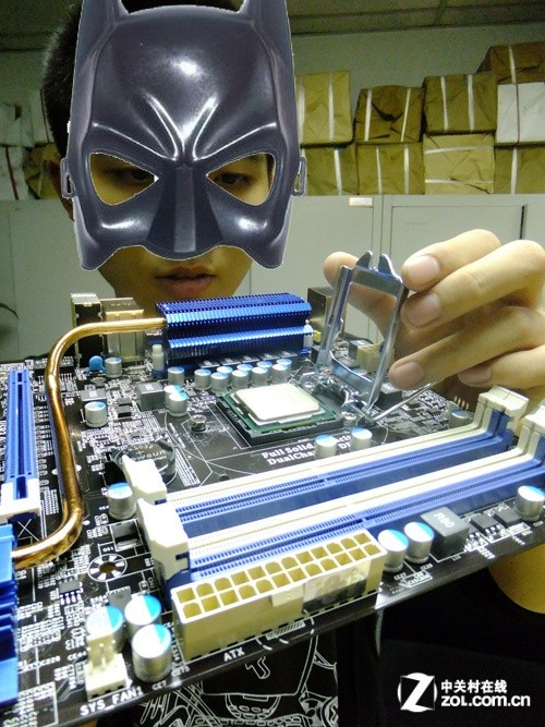 笔者今天通过Intel平台结合梅捷主板,和索泰独显该网友们举例如何让散件最终组装成整机的。首先,让大家看看今天的DIY零部件。
