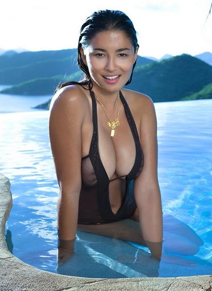 华裔超模素颜泳装大片-奢侈品频道-和讯网