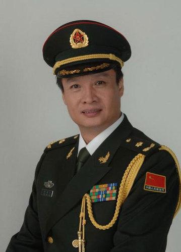 阎维文:总政歌舞团国家一级演员,副军级待遇.-细数将军军衔的明