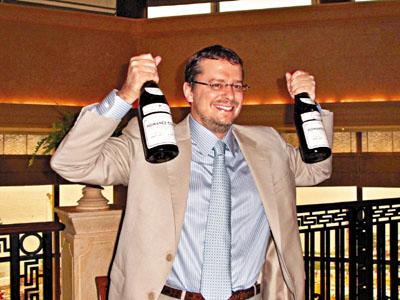 世界顶级红酒亮相香港 1870年拉菲红酒估值80万