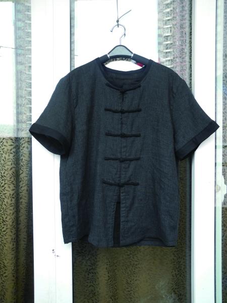 """新闻 正文    服装品牌""""例外""""创始人,设计师马可说,过去在民间,衣服是"""