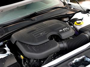 克莱斯勒300C优惠1.1万元 现车销售中高清图片