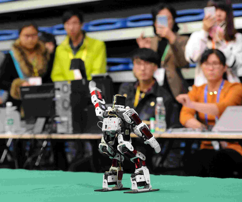 宁波这所学校学生夺得全国大学生机器人大赛 一等奖