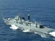 中国海军为两艘渔船远赴西非